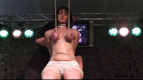 Toaxxx - tx088 - Public Breast Suspension for Slave D.
