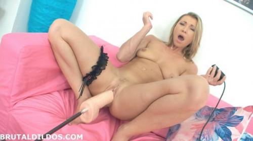 Sweet slut! Sex Machines