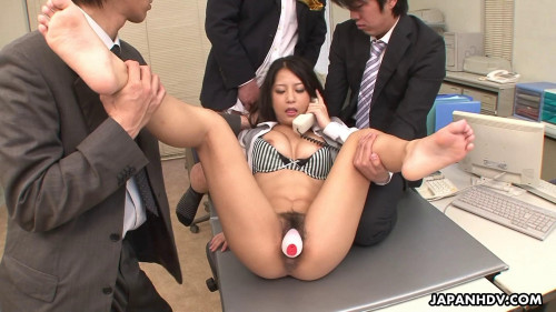 Satomi suzuki does her job properly and this babe acquires screwed as well