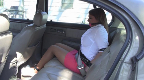Leanna Belle - My stepsister fastened me up in the backseat and left me there!
