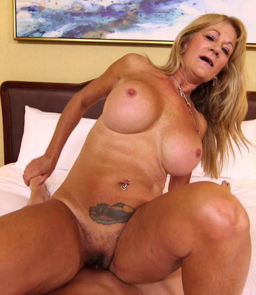 Sandra Hot busty cougar exhibitionist HD 720p