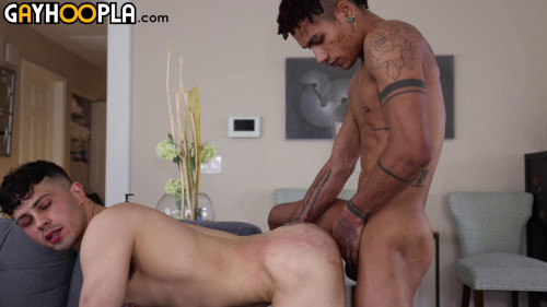 GayHoopla - Franco Styles Takes Massive Uncut Cock and Facial From Martavis Ray