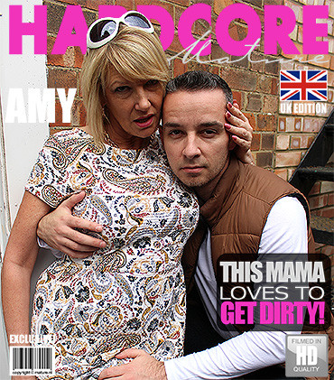 Amy – British housewife fucking and sucking HD 720p