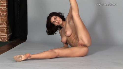 Violeta Lazkowa Flexy show Erotic Video