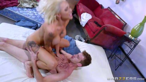Harlow Harrison - The Great Public Cock Hunt