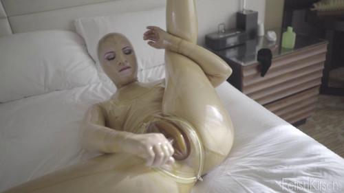 Caroline in Trans Part 2 Masturbation