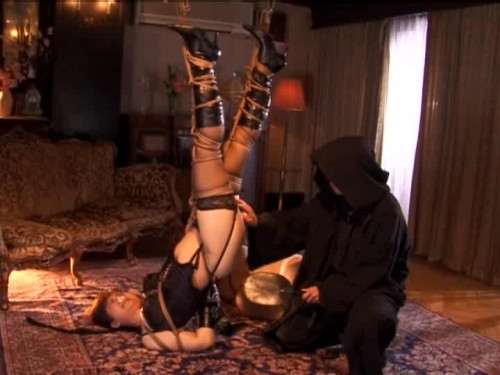 Married woman trampled meat slave