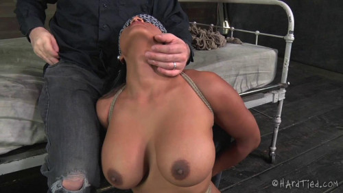 Maxine X BDSM
