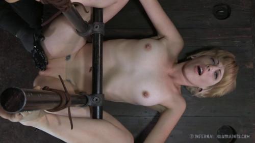 Kay Kardia Karnival Kunt BDSM