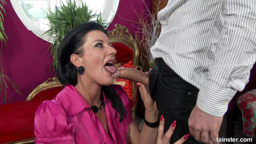 Fucking The Posh Lady Hard And Wet Peeing