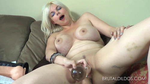 Alice Frost Fisting and Dildo