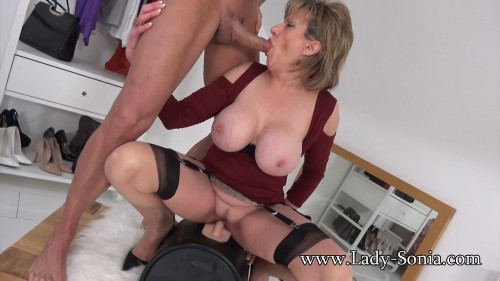 Lady Sonia - A Fan Shoots His Cum All Over Me Sex Machines