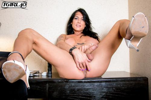 Rianna James A Delicious Treat!