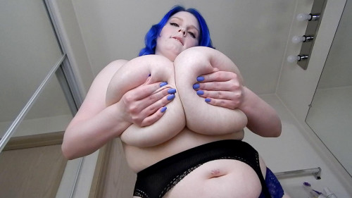 She Dont Play With The Boobs Big Tits