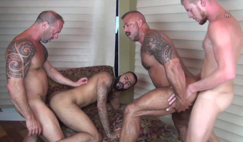 Breed Orgy WIth Muscle Males