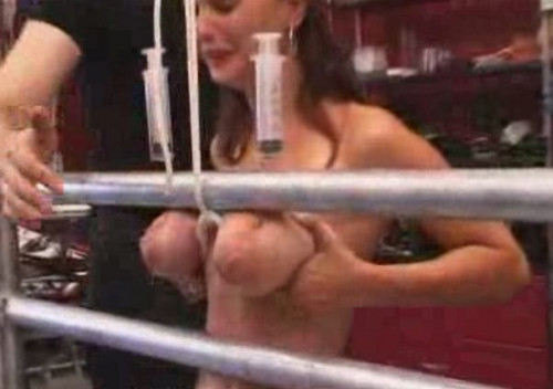 Anita Gets Injected with Saline Solution Manually - TG2Club