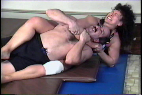 Combat Thea Bennington vs Ed (1996) Female Muscle
