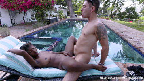 Prissy Nubian Princess Gets Wet Interracial