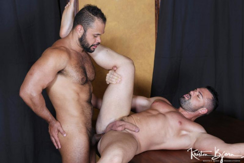 Gabriel Lunna and Damien Kilauea Gay Clips
