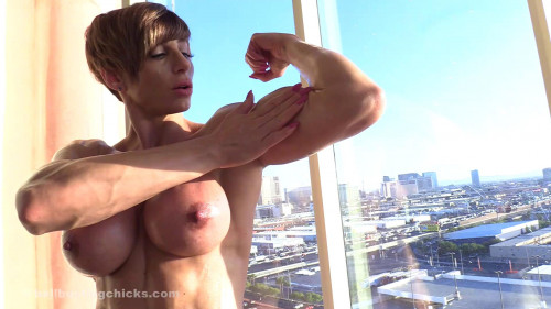 Invitation to jerk off with a view! Female Muscle