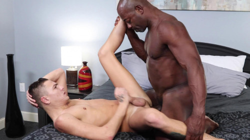 Pound Me With That Big Dick! - Aaron Trainer & Johnny Hunter Gays