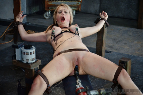 RTB – Winnie Rider, Amy Faye – Winnie the Hun, Part 1 – Sep 13, 2014 – HD