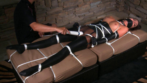 Kobe Lee BDSM Latex