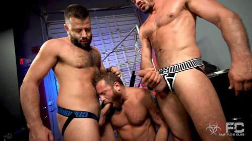 Threeway Flip Fuck - R460 (Riley Mitchel, Joe Gillis, Leo Grin