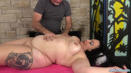 Calista Roxxx - Naughty Fat Rubdown BBW