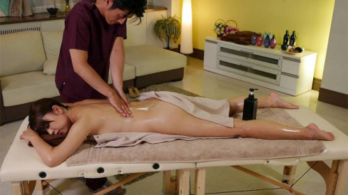 Shiho tachibana receives a massage
