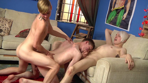 Spritzz - Fuck Heroes - Twinks go for a Wild 3some