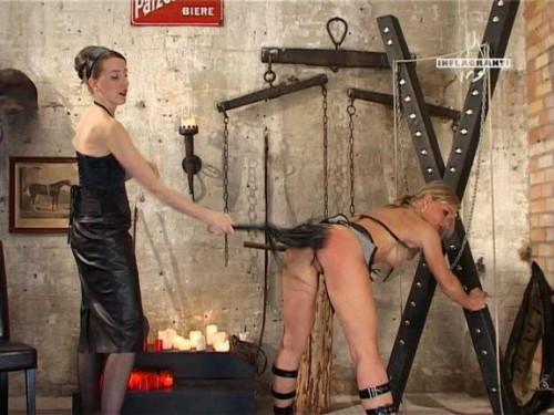 Lady K. und Ihre Zofen BDSM