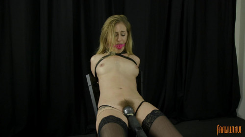 Lyra Struggles to Cum BDSM