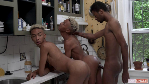 Crush - Snack Time - Dante, Diego and Eric Ford