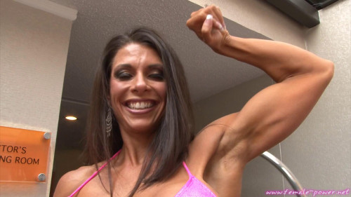 Jennifer Ritchie - Fitness Model Female Muscle