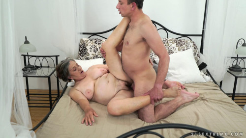 Horny Hairy Granny (1080p) Old and Young