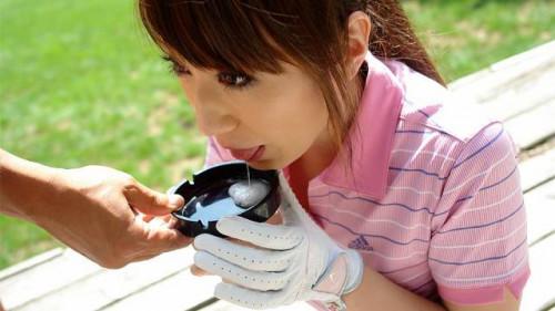 Wealthy karin mizuno is having golf classes
