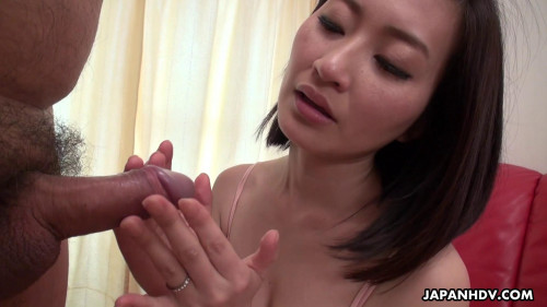 Ami kikukawa plays with a stranger s cum