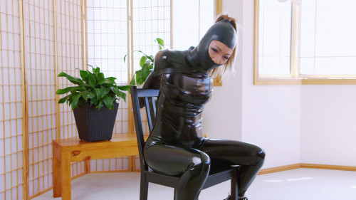 Mina Chair Bound Gwen (2016) BDSM Latex