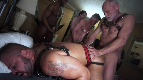 Treasure Island Media - Stoner Gangbang
