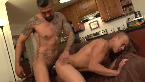 Naked Sword - Roommate Wanted - Boomer Banks & Ray Luis (1080p) Gay Porn Clips