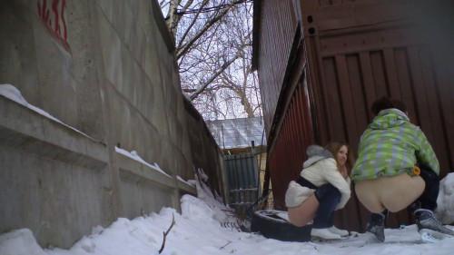 Pissing behind the garage (2012) Hidden camera