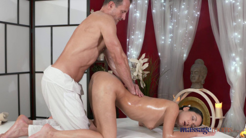 Angie Moon - George Massages Angie (2016) Sex Massage