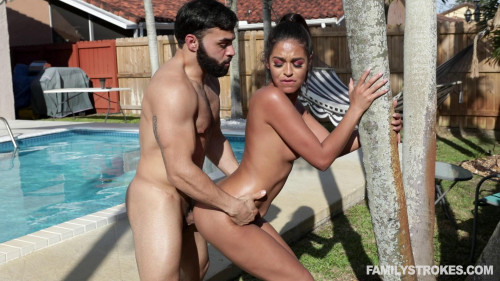 Extra Wet Pool Day HD Latino