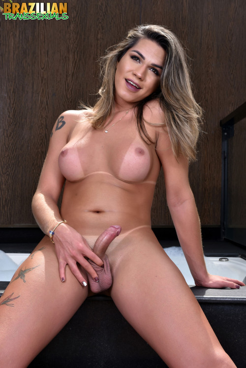 Amanda Fialho new solo Transsexual