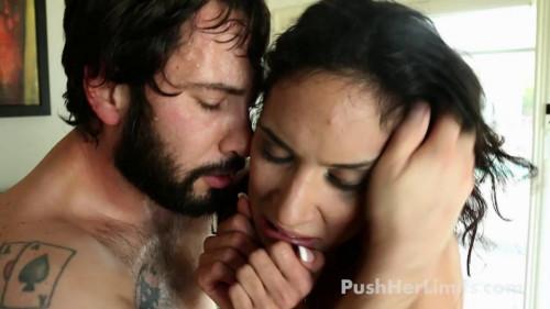 Tia Cyrus Amateur Porn