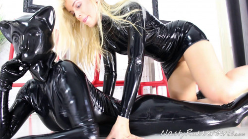 Kinky rubber petplay rubber cat finger strap-on fuck part One (2017)