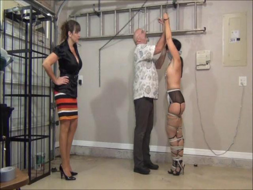 Self restraint bondage seduction takes a turn for the worse