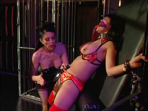 Nina Hartleys Private Sessions Scene 17