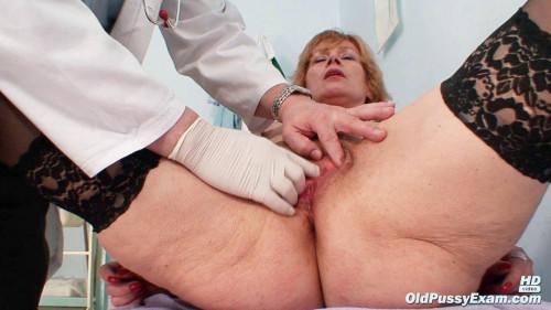 Kvetuse - 63 years woman gyno exam Unusual